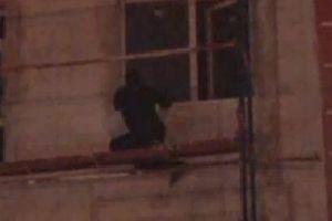Alkollü genç intihar edecekti, polis ikna etti