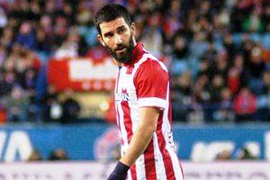 Manchester United, Arda Turan ile yakından ilgileniyor