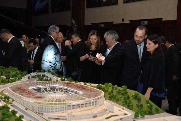 Vodafone Arena'ya muhteşem tanıtım