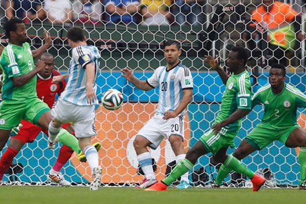 Arjantin Nijerya'yı 3-2'lik skorla geçti