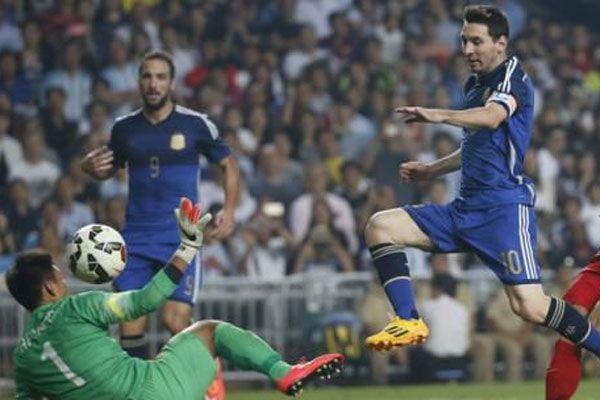 Arjantin Hong Kong'a gol oldu yağdı