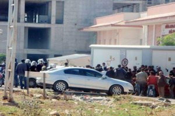 Kaçakçıların yakınları hastaneyi basıp askerleri dövdü