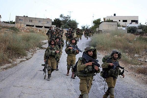 İsrail askerleri 37 Filistinliyi gözaltına aldı