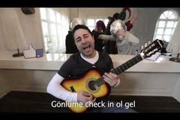 Atilla Taş'ın, 14 Şubat Sevgililer Günü şarkısı-izle