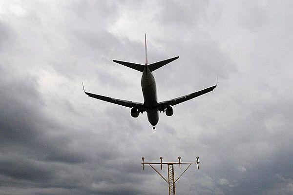 Avustralya uçağında yanlış alarm