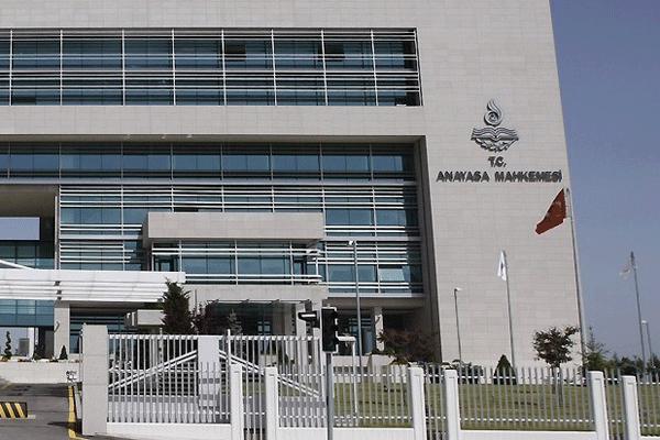 AYM, Adalet Bakanı'na verilen yetkileri iptal etti