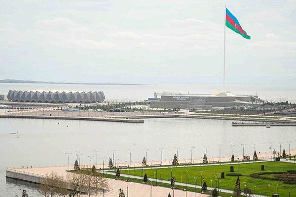 Azerbaycan medyasında 'paralel yapı' tartışmaları