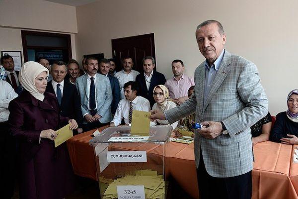 Erdoğan, 'Milletimiz önemli bir karar verecek'