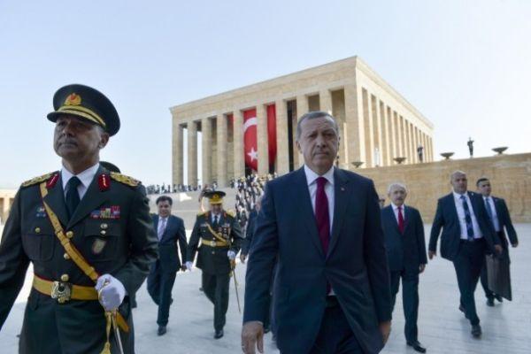 Törenlere ilk kez cumhurbaşkanı olarak katıldı- İZLE