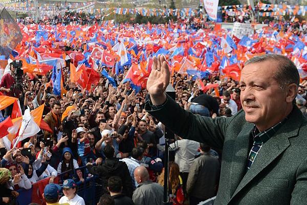 Başbakan Erdoğan, 'Bunlar aileleri kökünden sarstılar'