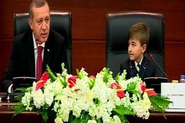 Başbakan Erdoğan'ın alkışladığı cevap-İZLE