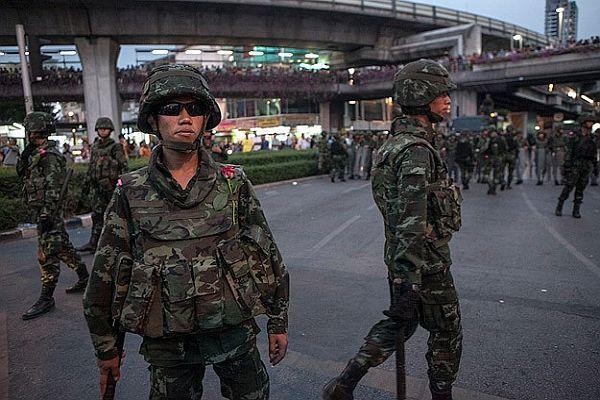 Tayland'da Eski Eğitim Bakanı tutuklandı