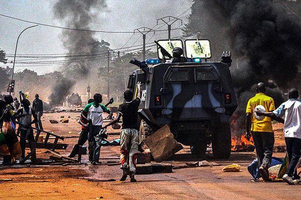 Bangui'de 2 Müslümanı linç ettiler