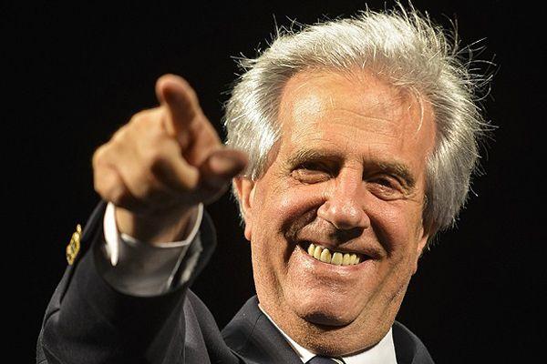 Uruguay'da devlet başkanlığı Vazquez kazandı