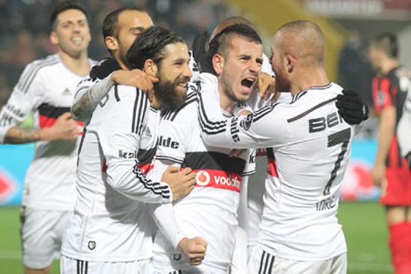 Beşiktaş, Demba Ba'sız kazandı