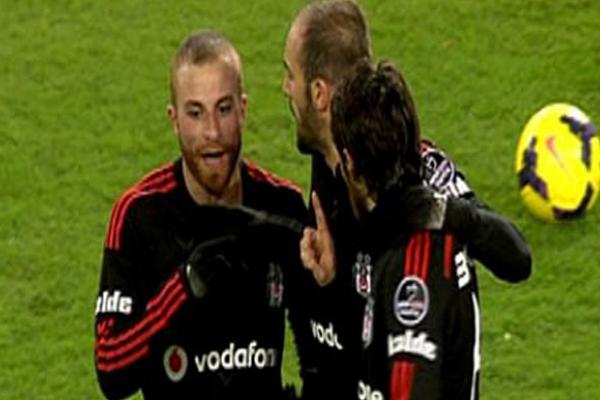 Beşiktaşlı futbolcular arasında tartışma