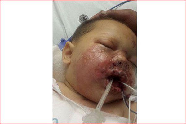 19 aylık bebeği bu hale bir polis getirdi