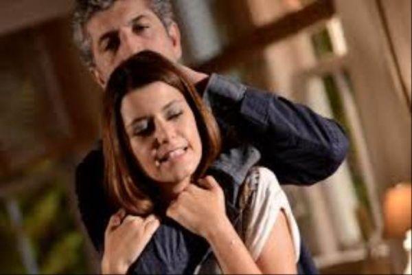 Ünlü oyuncu Cihangir'de bıçaklı saldırıya uğradı