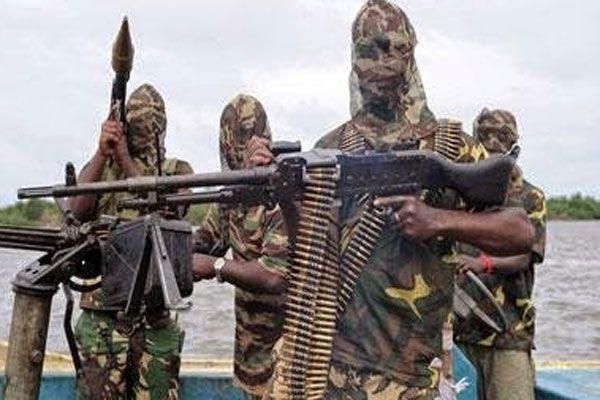 Boko Haram terör estirdi, yüzlerce ölü var