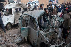 Pakistan'da bombalı saldırı, 6 ölü