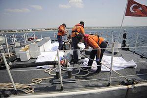 Kaçakları taşıyan bot battı: 5 ölü