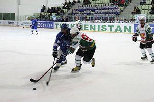 Türkmenler buz hokeyini çok sevdi