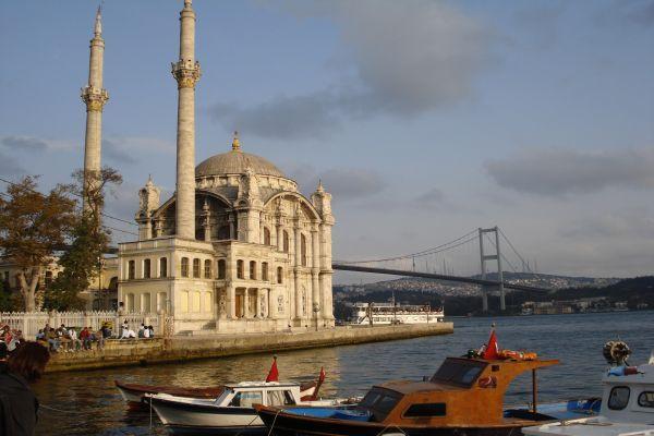 Tarihi Ortaköy Camii ibadete açılıyor