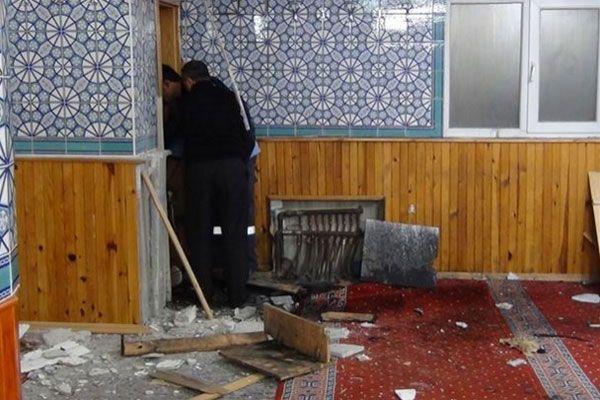 Camide patlama, ölü ve yaralılar var