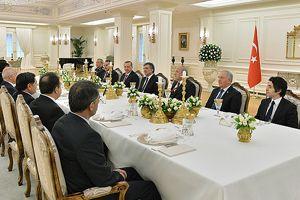 Cumhurbaşkanı Gül'den yeni yıl yemeği