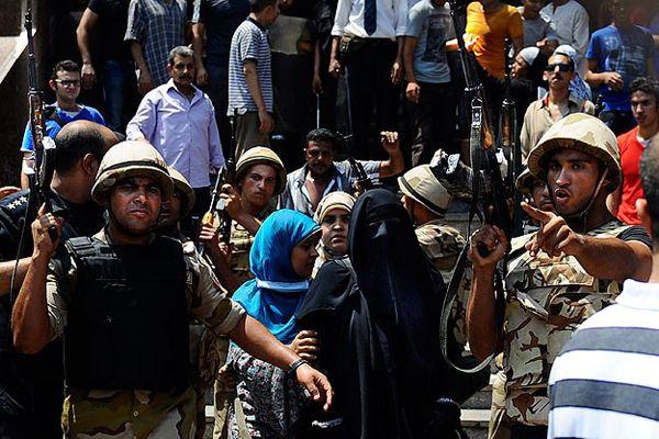 Mısır'da 504 kişi, ceza mahkemesine sevk edildi