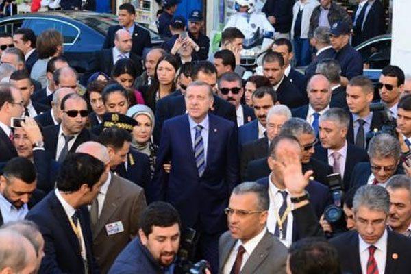 Cezayirli gençlerden Erdoğan'a büyük ilgi