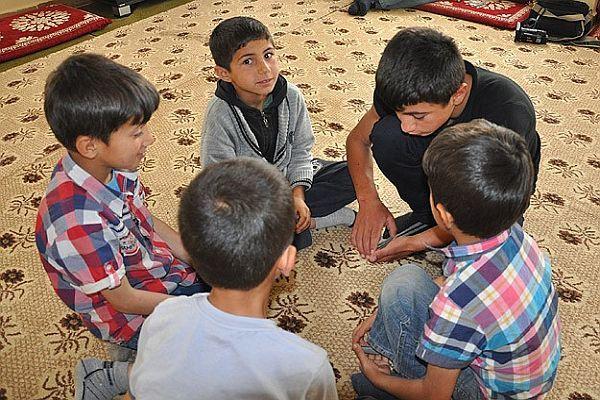 Kurtarılan çocuklar ailelere umut oldu