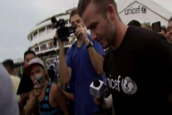 David Beckham Filipinler'i ziyaret etti