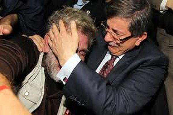 Ahmet Davutoğlu'nu ağlatan baba konuştu