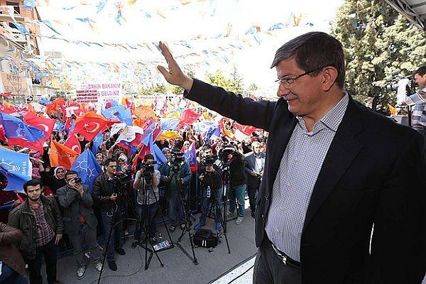 Davutoğlu, 'Birileri AK Parti iktidarının sendelemesini istiyor'