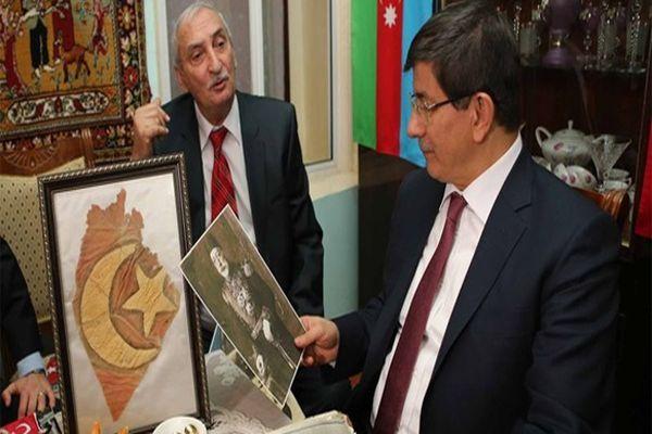 Davutoğlu'ndan Gence'de tarihi ziyaret