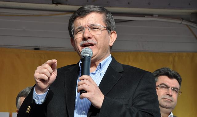 Ahmet Davutoğlu Akşehir'de halka seslendi