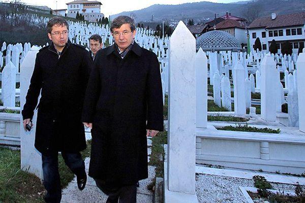Davutoğlu, 'Bosnalı kardeşlerimizin yanındayız'