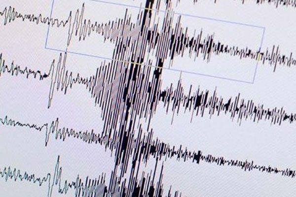 Ege'de ikinci deprem paniği