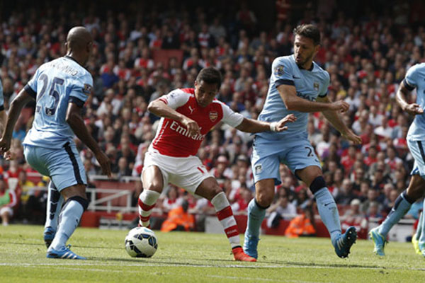 Arsenal Manchester City derbisinde 4 gol