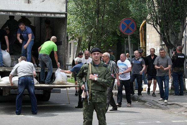 Donetsk'teki çatışmalarda ölü sayısı artıyor