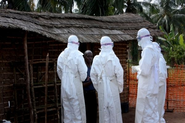 Ebola, bir ülkeye daha sıçradı!