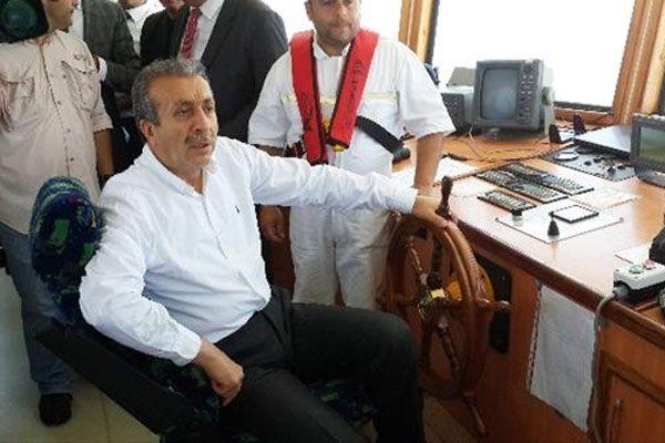 Mehdi Eker deniz temizleme çalışmalarına katıldı