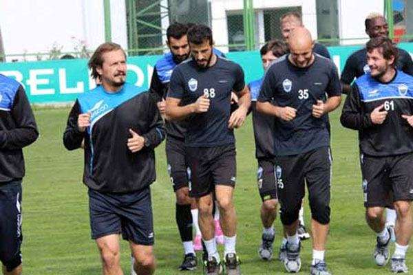 Erciyesspor'a meşalelerle destek