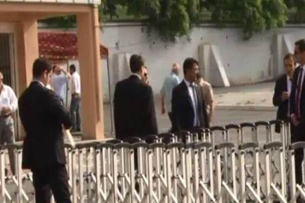 Başbakan Erdoğan'ın oy kullanacağı okulda yoğun güvenlik önlemi