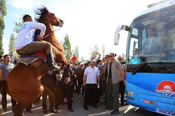 Başbakan Erdoğan'a Erzurum'da büyük sürpriz