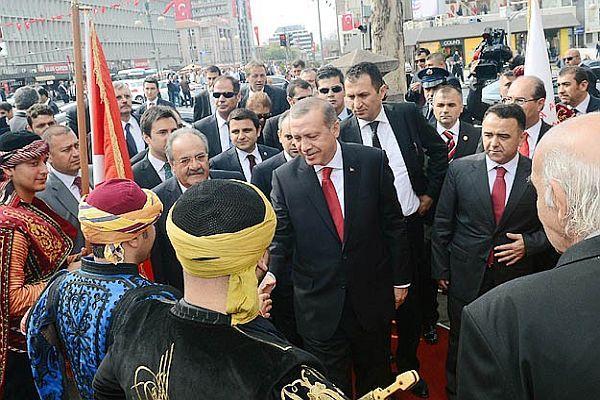 Erdoğan, 'Gül ile yarın görüşeceğiz'