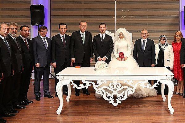 Başbakan Erdoğan nikah şahidi oldu