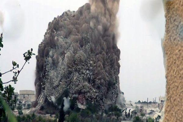 Esad karargahı havaya böyle uçuruldu, 50 ölü