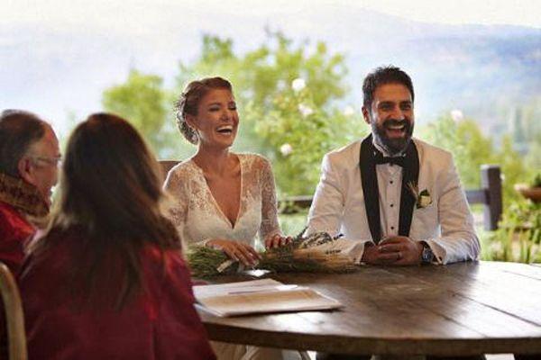Ünlü şarkıcı Gülben Ergen Erhan Çelik ile evlendi
